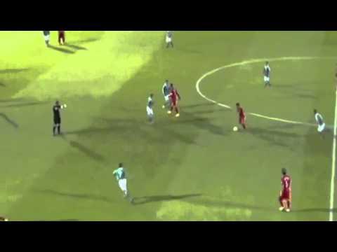 Le dribble de Cristiano Ronaldo face à un joueur irlandais