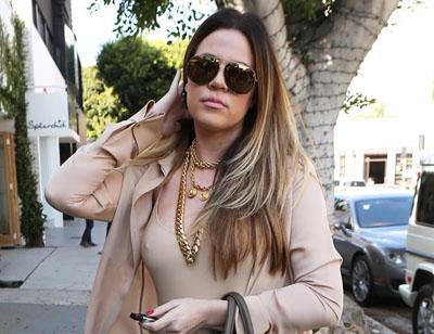 Khloe Kardashian dans les rues de LA sans soutien-gorge