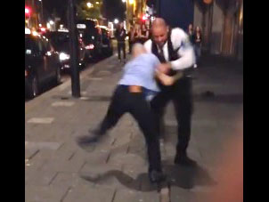 A Newcastle, un videur se la joue Free Fight contre un client