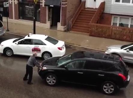 Un conducteur refuse de faire un constat et percute d'autres voitures