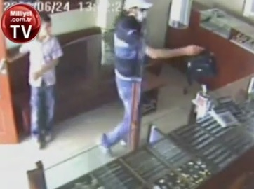 Un enfant de 12 ans arrête un braqueur de bijouterie