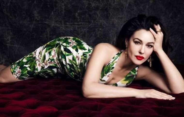 Monica Bellucci en robe fleurie