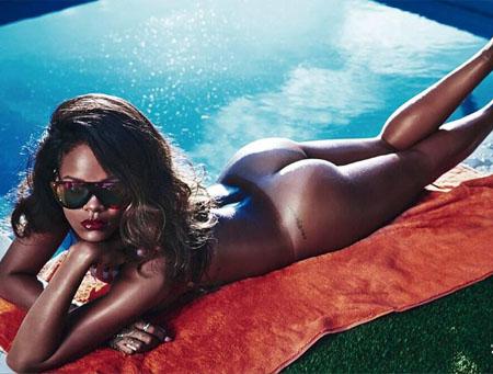 Rihanna pose nue pour le magazine Lui de Mai 2014