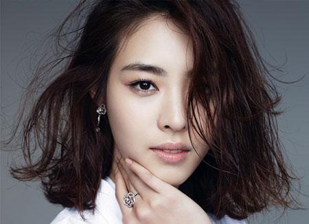 Lee Yeon Hee pose pour le magazine Marie-Claire coréen