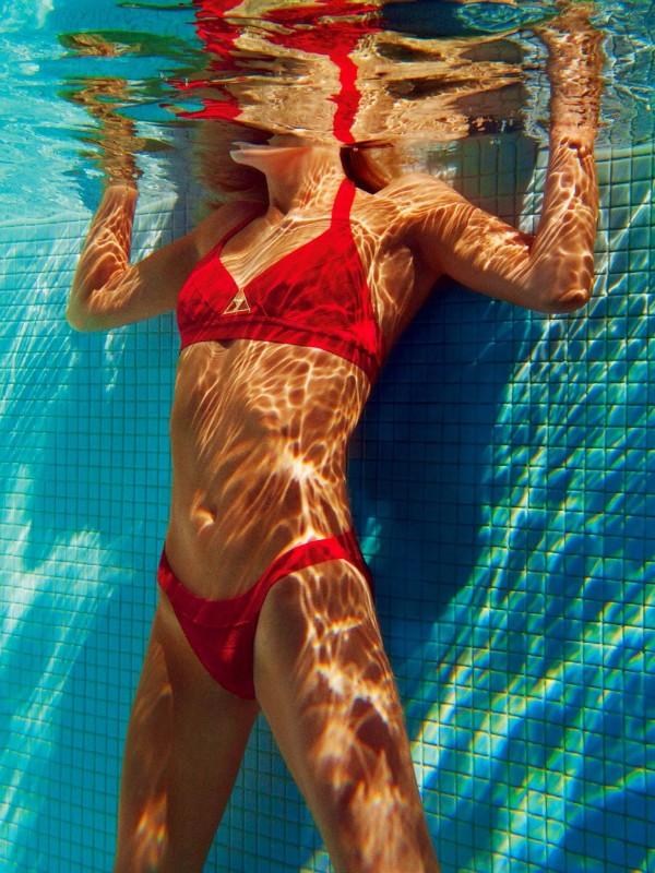 Natasha Poly pour le magazine Vogue France Juin-Juillet 2014