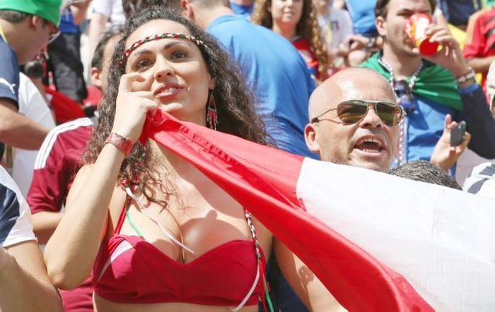 Supportrices_coupe_monde_bresil_2014_071