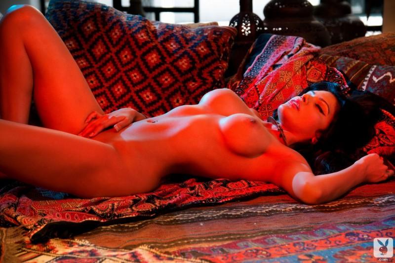 Sherlyn Chopra nue pour Playboy 08