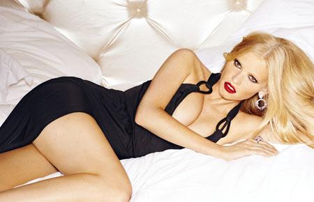 Lara Stone pour le Sunday Times Style Magazine Aout 2014