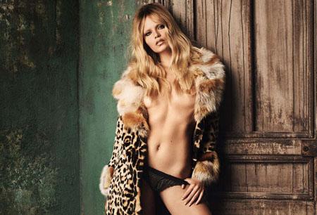 Natasha Poly nue pour Vogue Allemagne octobre 2014