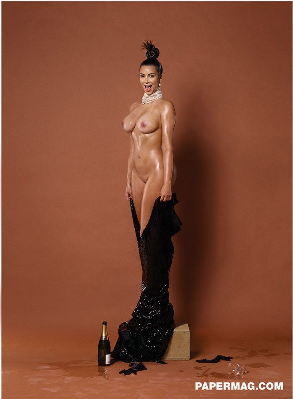 Kim Kardashian pose nue pour Paper Magazine