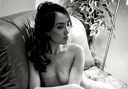 Bayarmaa Nerguin pose pour Playboy Mongolie – Novembre 2014