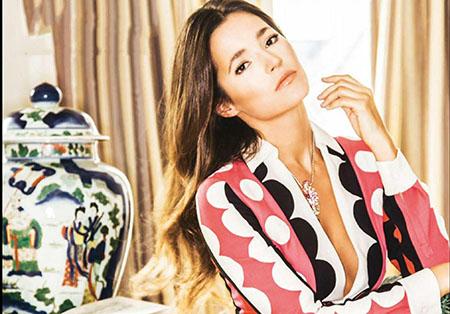 Malena Costa pose pour le magazine Hola espagnol