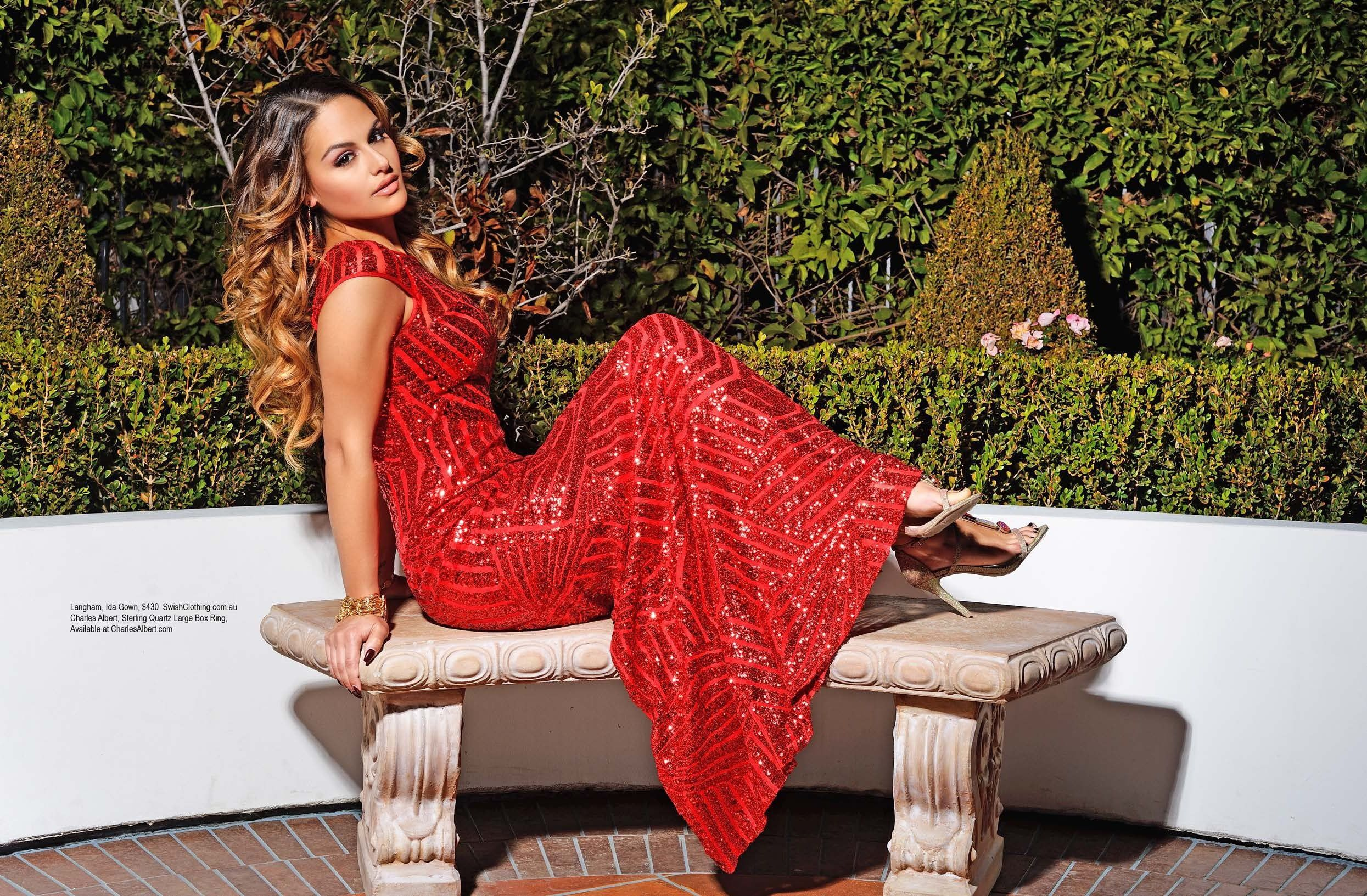 Pia Toscano pose pour le magazine Regards