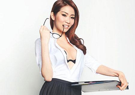 Angeline Yap pose pour FHM Singapour