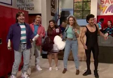 Les acteurs de Sauvé par le Gong sur le plateau de Jimmy Fallon