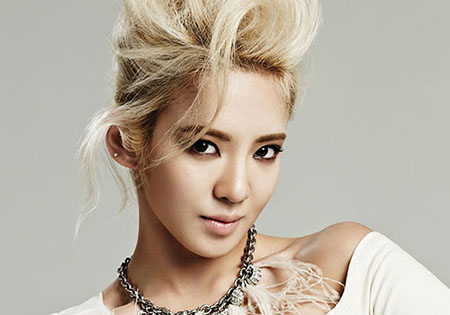 HyoYeon du groupe Girl's Generation pose pour 1st Look