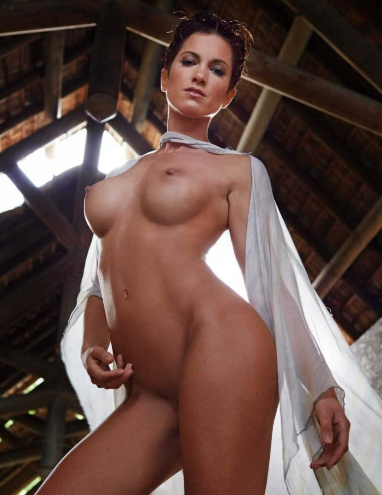 Isabell Horn Nue pour Playboy allemand 12