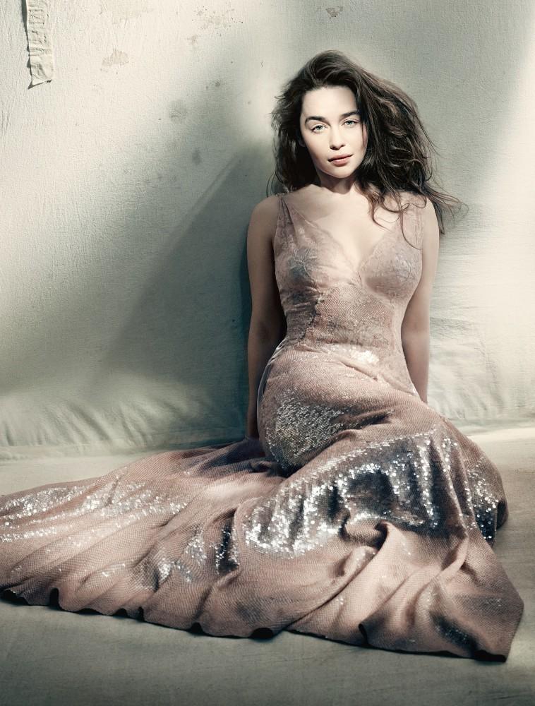 Emilia Clarke Vogue GB Mai 2015 06