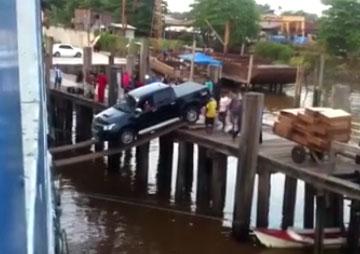 Ce n'est pas la meilleure façon de charger une voiture