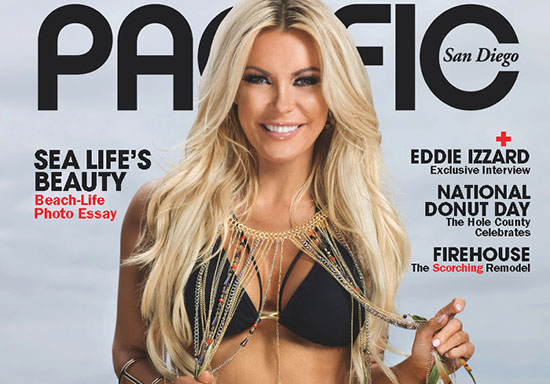 Crystal Hefner pose pour le magazine Pacific San Diego