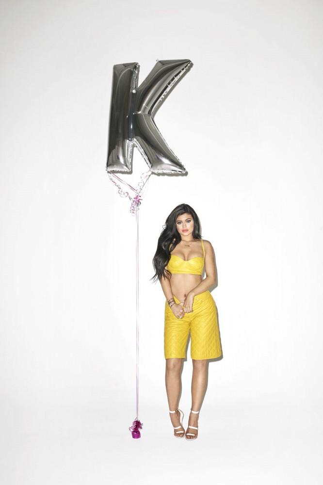 Kylie Jenner pose pour Galore Magazine