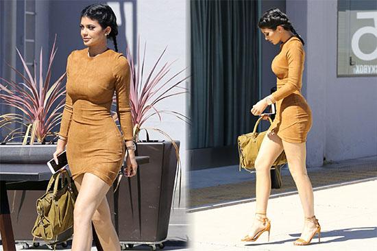 Kylie Jenner s'affiche en robe avec le rappeur Tyga