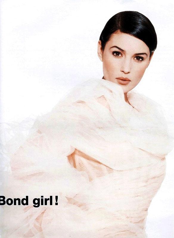 Monica Bellucci la Bond Girl en 1996
