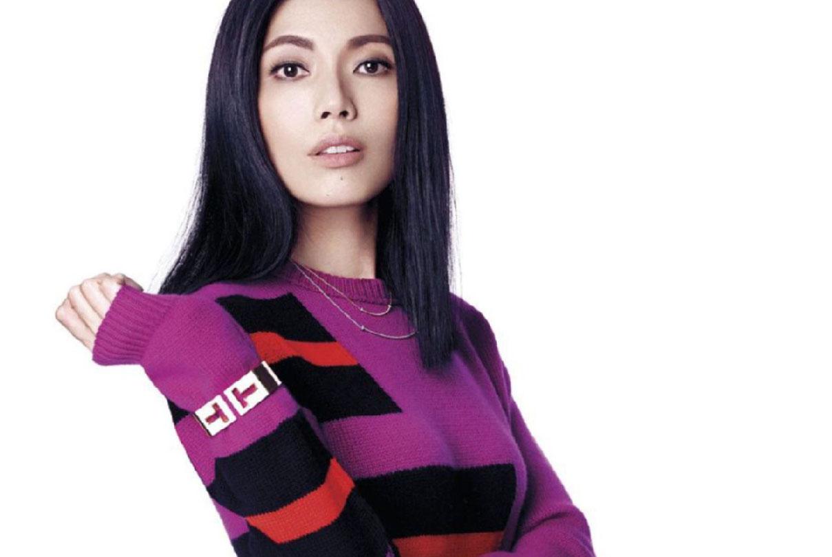 Sharon Au en couverture du magazine ELLE Singapour