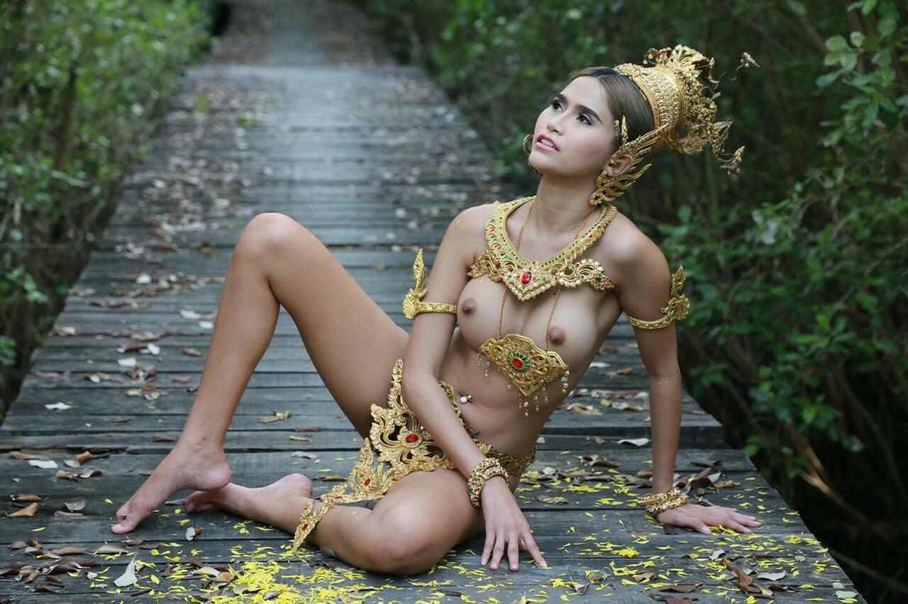nude hairy turk girl