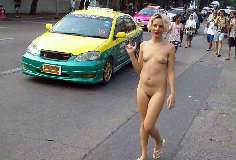 Une marocaine se balade nue dans les rues de Bangkok