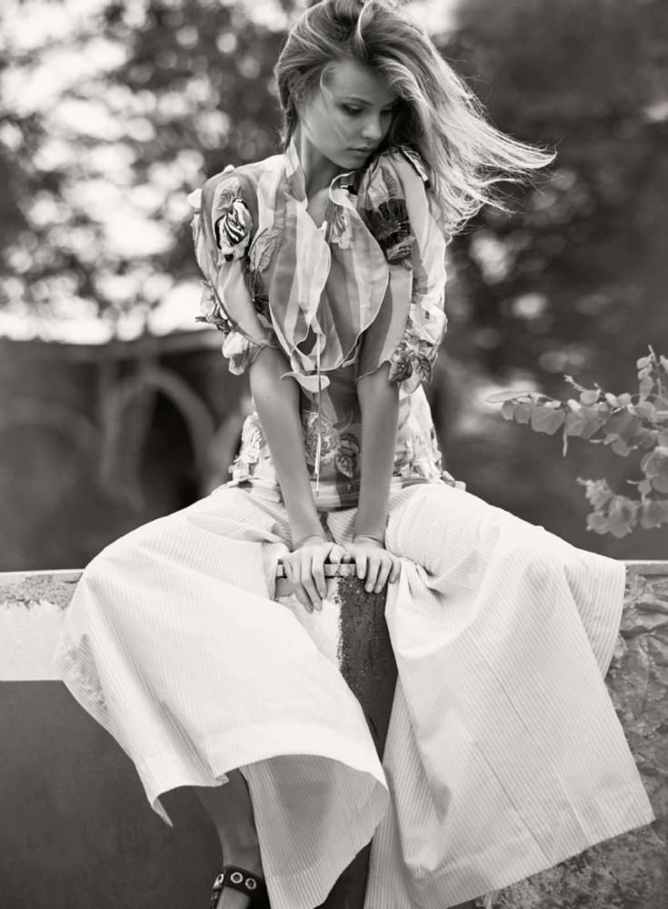 Magdalena Frackowiak pose pour le magazine ELLE