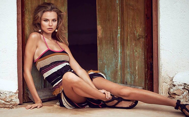 Magdalena Frackowiak pose pour le Spécial Mode du magazine ELLE