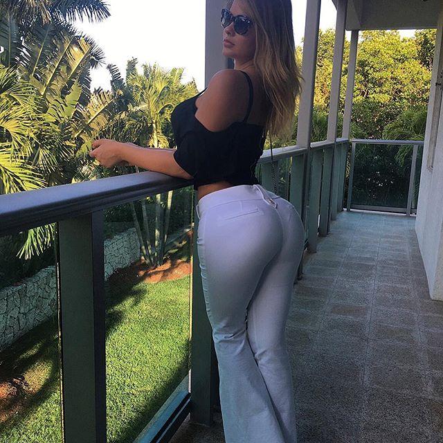 Anastasiya Kvitko au balcon
