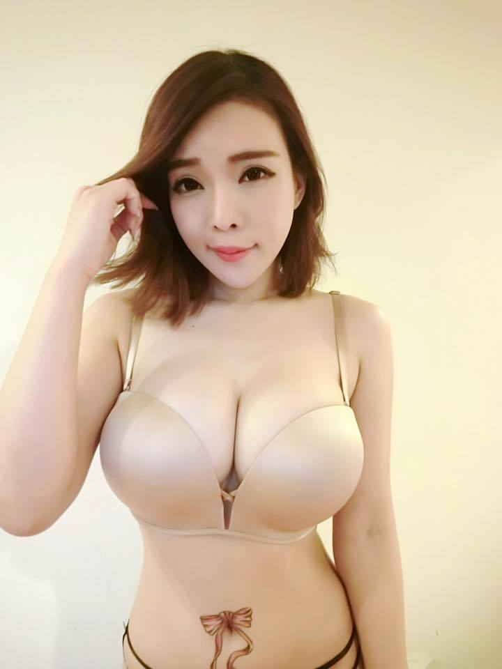 La bimbo taiwanese Jocelyn Kao