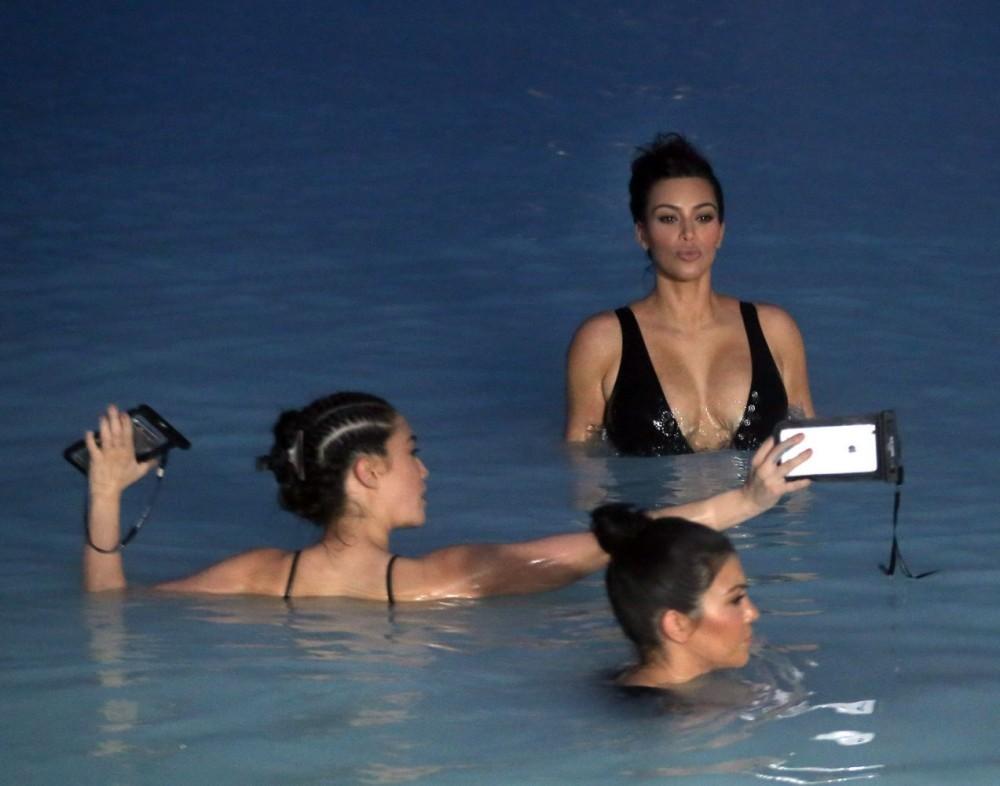 Kim Kardashian en Islande