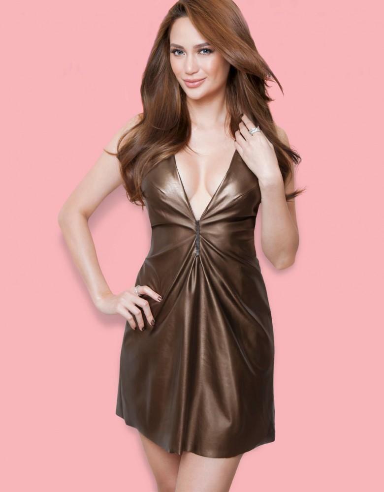 Arci Muñoz pose pour le magazine Cosmopolitan philippin.