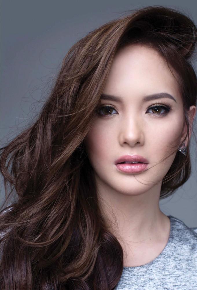 Ellen Adarna pose pour le magazine Speed Philippines