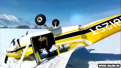 Il commente son crash d'avion en direct