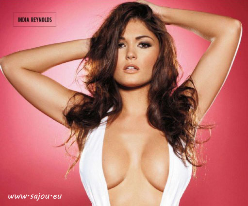 India Reynolds pour Nuts magazine