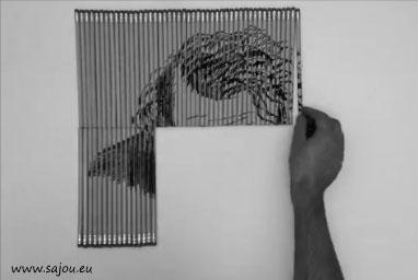 Il dessine le Joker sur des crayons de mines