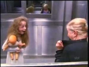 Un fantôme dans l'ascenseur au Brésil