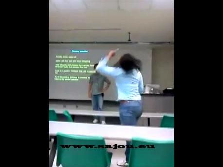 Fille qui pète un plomb à l'université