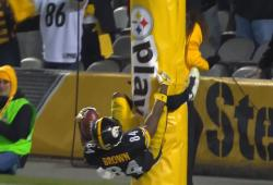 La façon étrange d'Antonio Brown de célébrer un touchdown