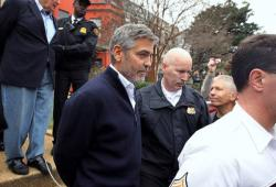 George Clooney menotté à Washington DC