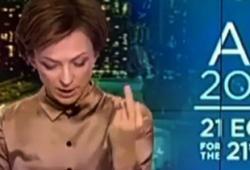 Présentatrice Russe fait un doigt d'honneur à Obama