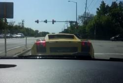 Il fait le malin avec sa Lamborghini mais va se crasher