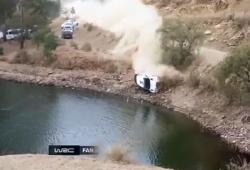 Leur voiture finit dans un lac lors d'un accident de rallye