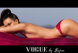 Andreea Diaconu pose pour Vogue Paris de Juin 2016