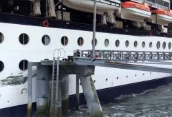 Un bateau de croisière percute un quai en Alaska
