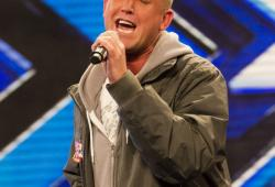 Christopher Maloney dans X-factor : timide mais quelle voix !